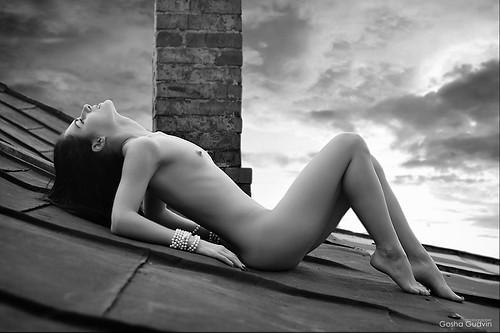 girl,nude-974626c5459ff9e08127ccb772d03474_h.jpg