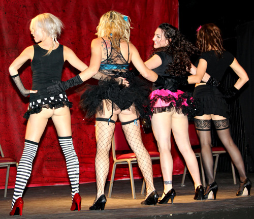 Le_Teaze_Burlesque_Troupe.jpg.scaled1000.jpg