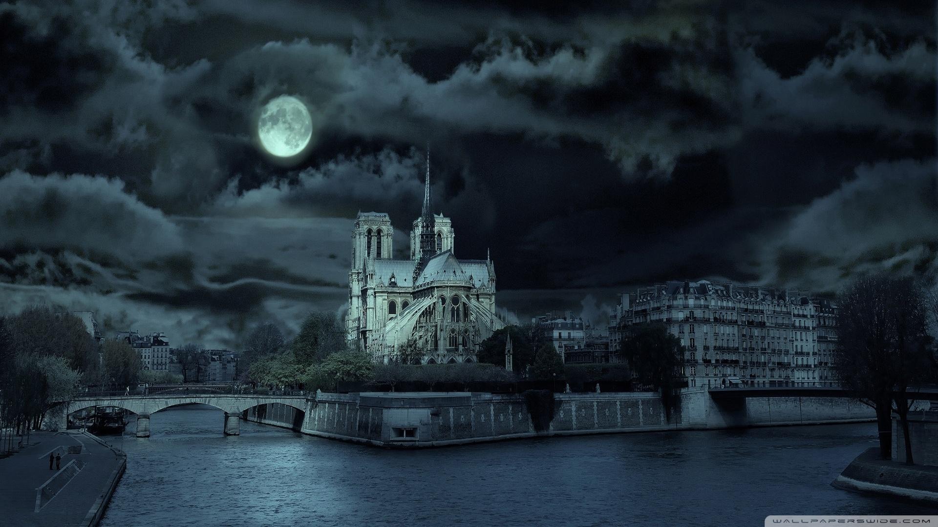 notre-dame-de-paris-at-night_00447848.jpg